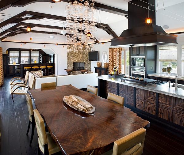 дървена кухненска маса