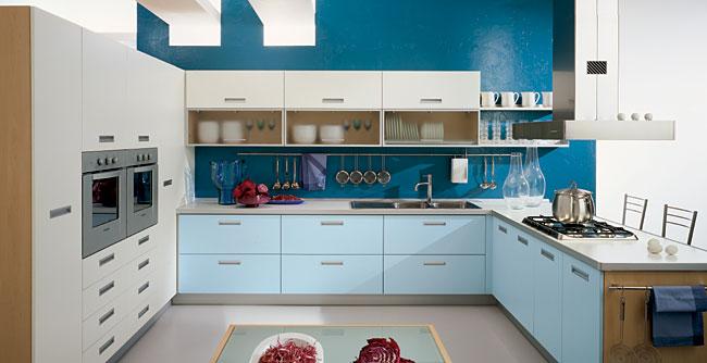 свежа синя кухня