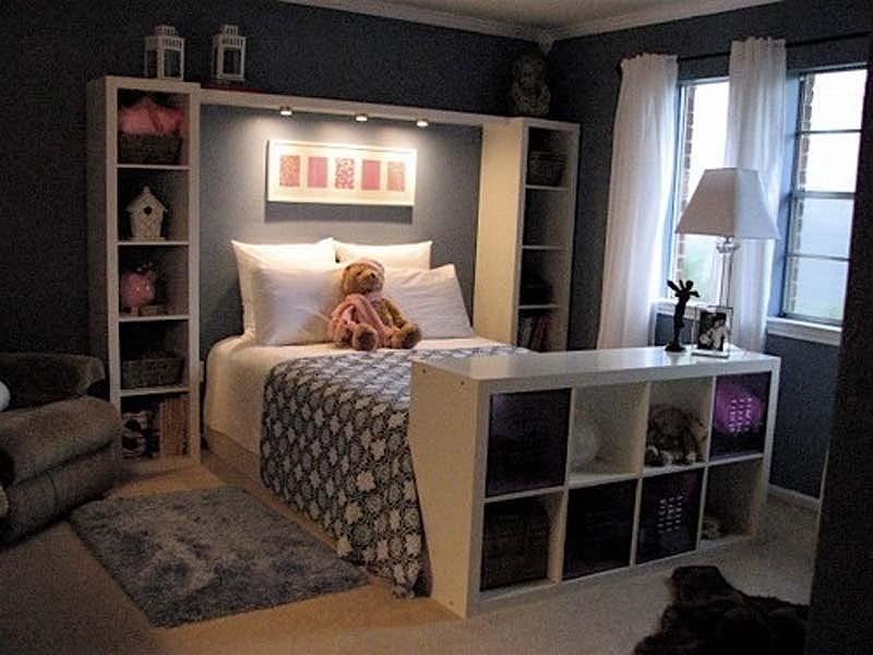спалня с интегриран шкаф