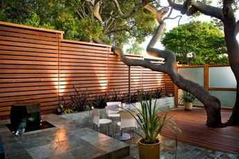Modern-Wooden-Garden-Patio-Fence-Exterior-Design