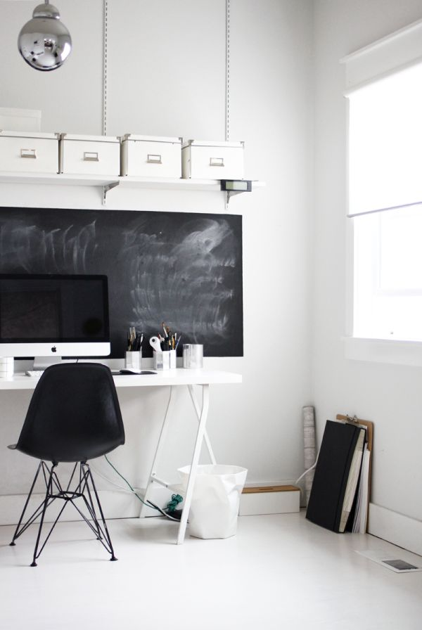 another-desk-with-chalkboard