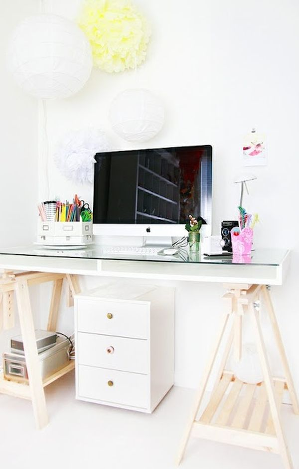 clean-white-scandinavian-style-desk