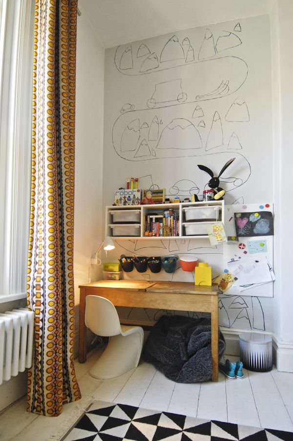 desk-wall-kids-room