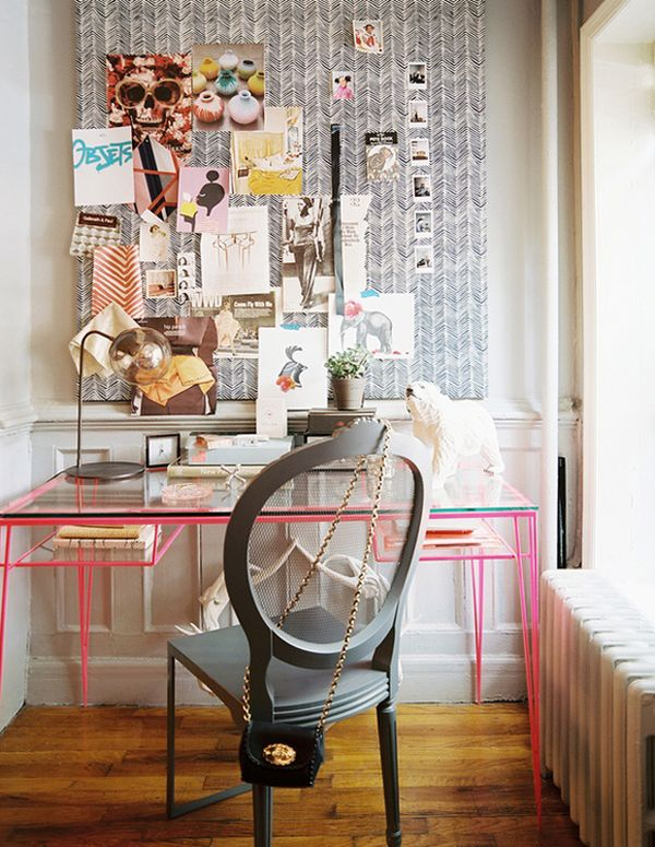 feminine-desk-decor