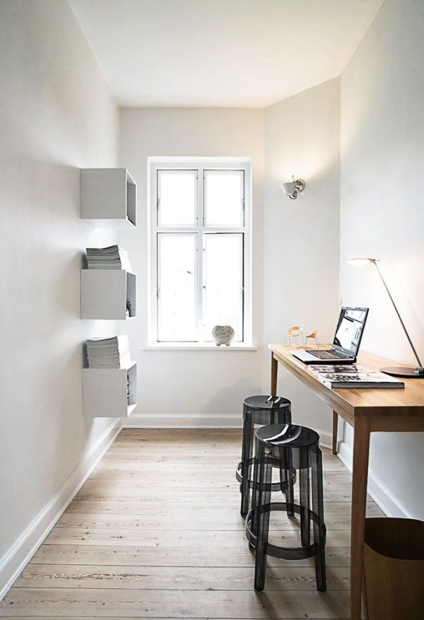 narrow-desk-room